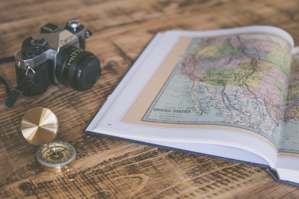 ガイドブックを使って旅行の計画